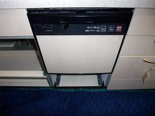 三菱 ビルトイン食洗機 EW-45H1S 施工前