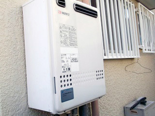 ノーリツ ガス給湯器 GT-C2052SAWX-2BL-13A-20A 施工前