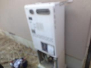 ノーリツ ガス給湯器 GTH-2444AWX-1-BL-13A-20A 施工前