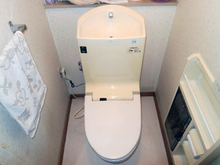 TOTO トイレ TSET-M-IVO-1 施工前