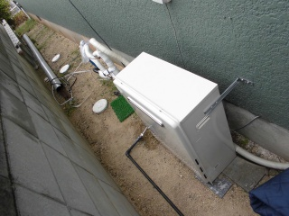 ノーリツ ガス給湯器 GRQ-C2452SAX-2-BL-13A-20A 施工後