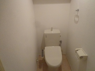 リクシル トイレ TSET-LC1-IVO-1-155 施工後